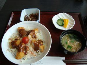 カツ丼定食.JPG